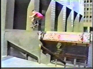 skateboardnaked126002.jpg.fcfedc556c39712f275428733a8e5725.jpg