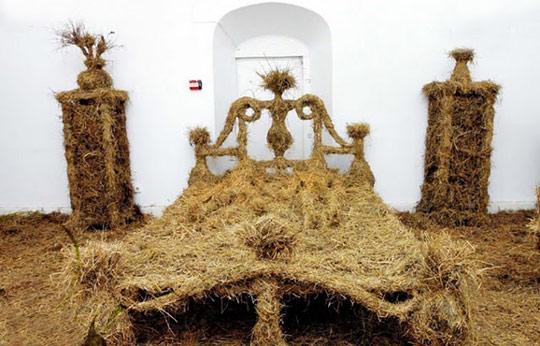 Bed-of-Hay.jpg.24b3932369d89950bec36f9e309ac9b3.jpg