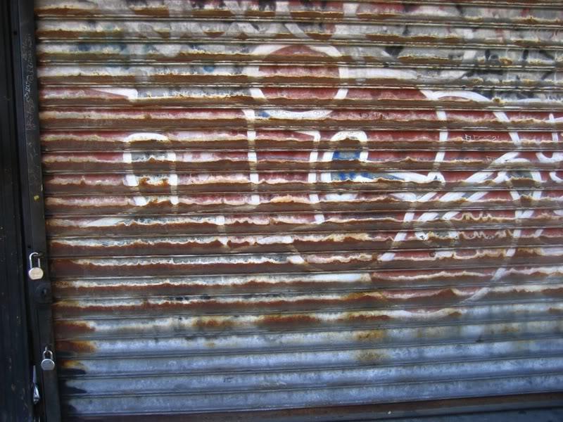 2Nice_Graffiti.jpg.5b76c1b558eaf28ce2b8f6f3ef1f77cd.jpg