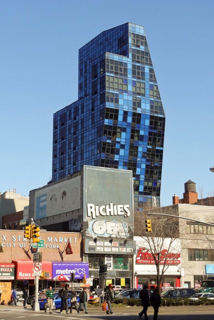 Blue_Condominium_Tower.thumb.jpg.5694684ff3651603de681f29bef6c5c8.jpg