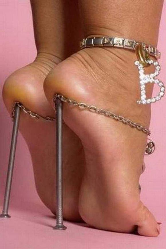 Weird-And-Funny-Shoes-24.thumb.jpg.58c4a306fa8c5e857272086ab04786d0.jpg
