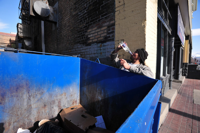 dumpster-homeless-saltlake-483511-o.thumb.jpg.e980363af953ac15a3a9eb262c380a38.jpg