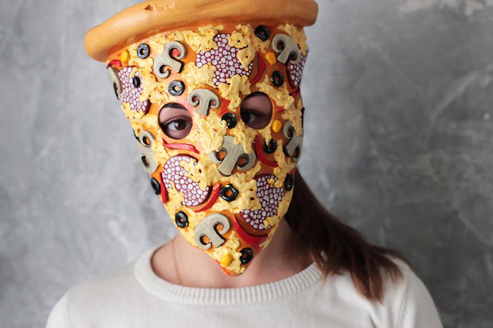 pizza_face_mask_1.jpg.7ad5df7b9d2faa535f301c8220127c0c.jpg