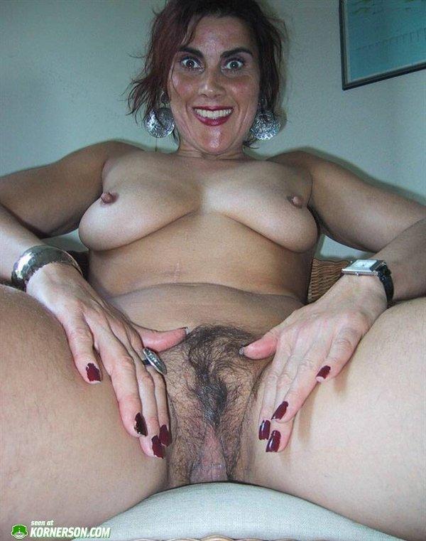ugly-nudes-1-0052634201A0F.thumb.jpg.ba2009bd0b54525cf7a09a13b3a81e38.jpg