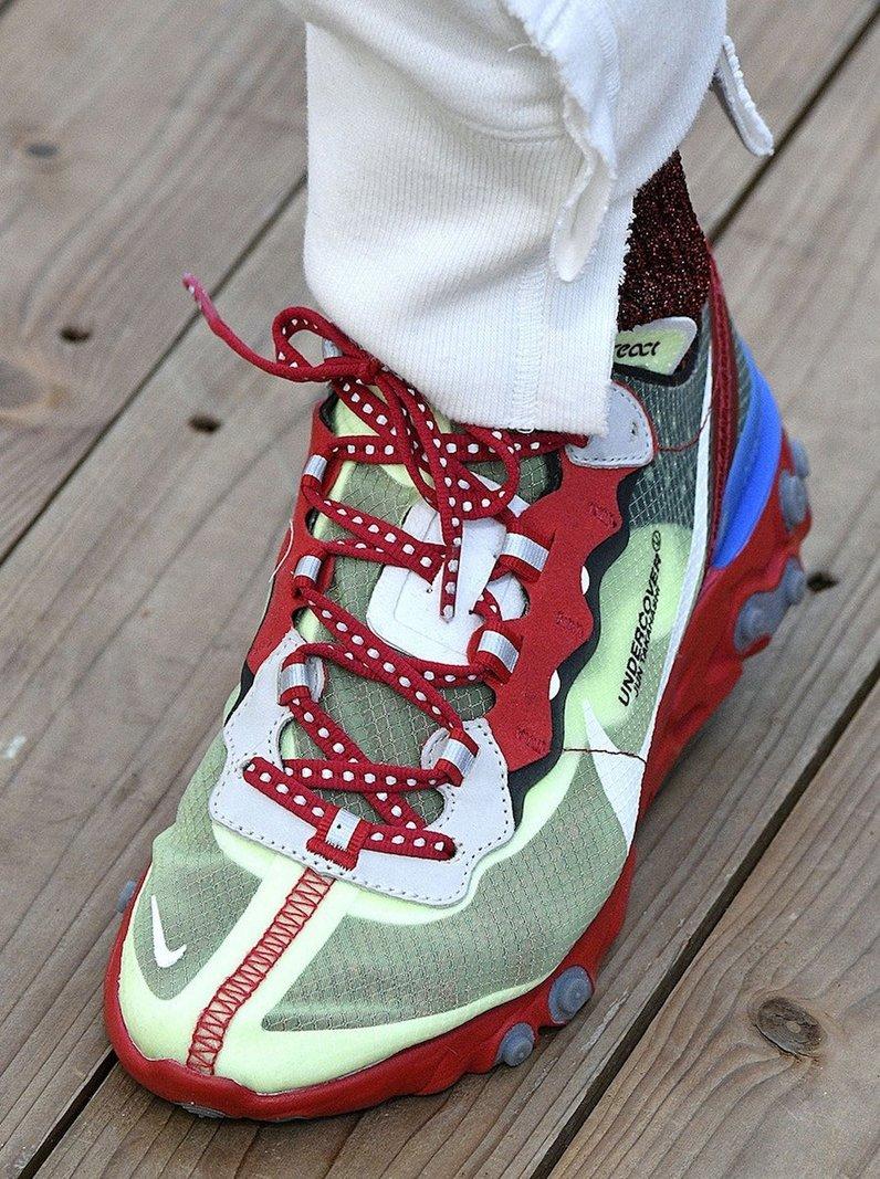 1725515184_UNDERCOVER-x-Nike-React(1).thumb.jpg.3e84d609607a2f3685a42f8b6bb236bc.jpg