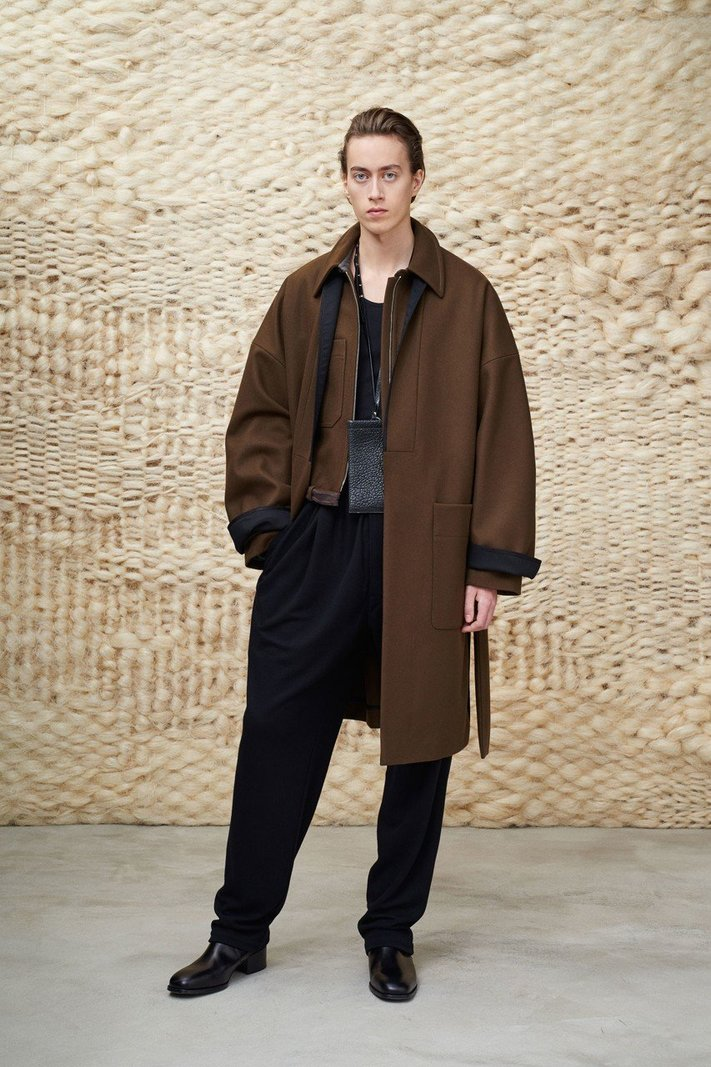 https _hypebeast.com_image_2020_01_lemaire-fall-winter-2020-menswear-collection-lookbook-13.jpg