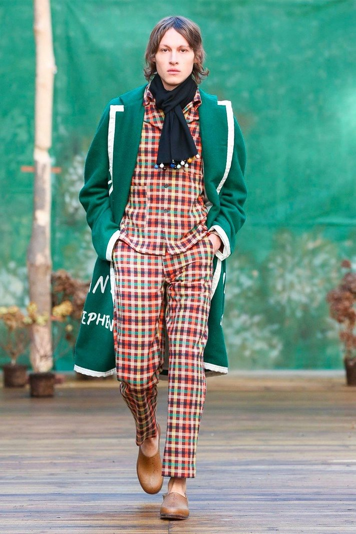 https _hypebeast.com_image_2020_01_bode-fall-winter-2020-collection-runway-paris-fashion-week-003.jpg