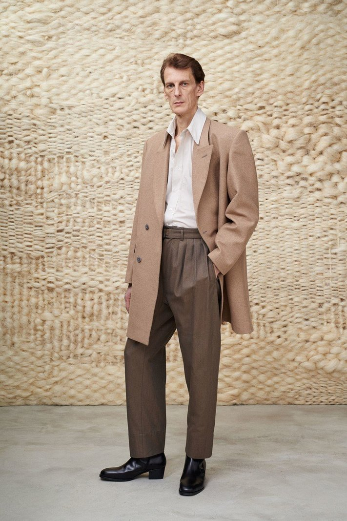 https _hypebeast.com_image_2020_01_lemaire-fall-winter-2020-menswear-collection-lookbook-32.jpg