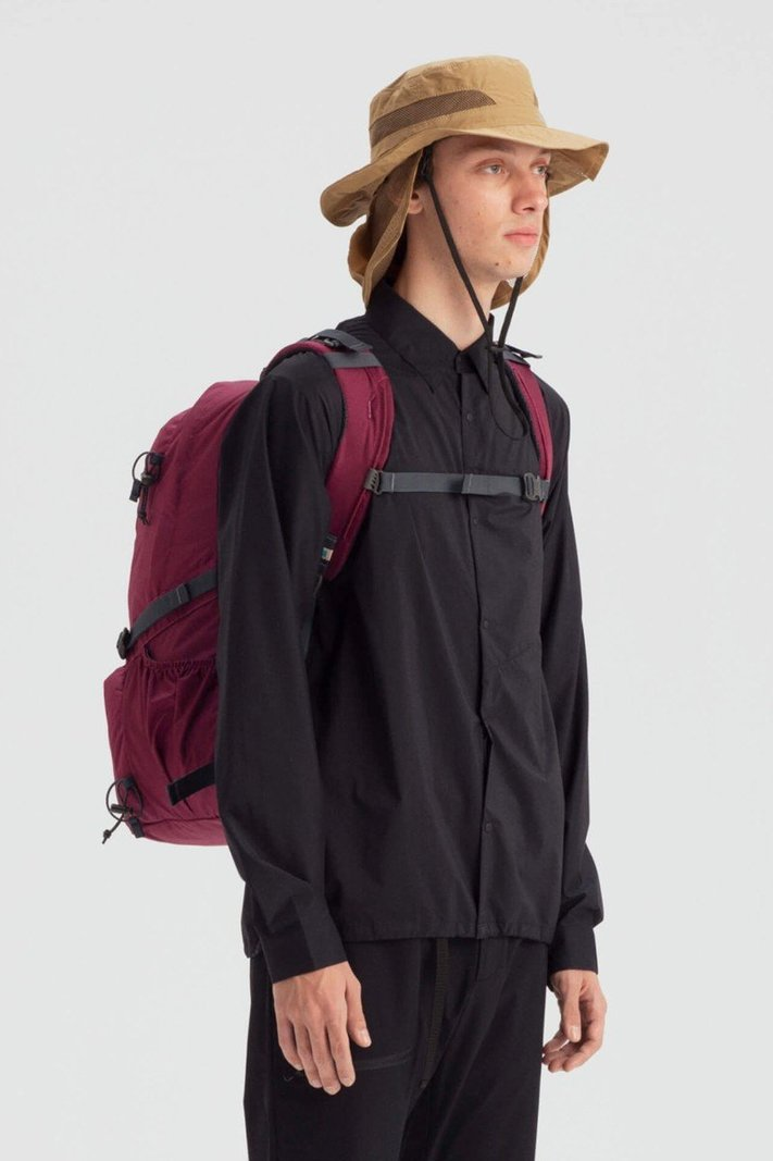 https _hypebeast.com_image_2020_02_karrimor-japan-spring-summer-2020-lookbook-021.jpg