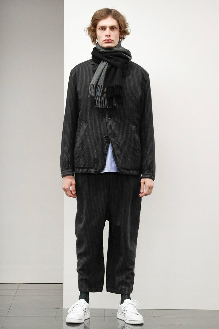https _hypebeast.com_image_2020_02_comme-des-garcons-homme-fall-winter-2020-2021-lookbook-018.jpg