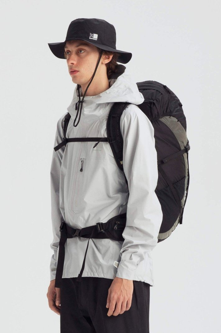https _hypebeast.com_image_2020_02_karrimor-japan-spring-summer-2020-lookbook-017.jpg
