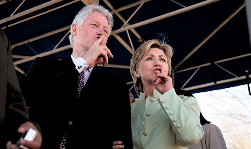 Getty-Images-Bill-Hillary-Clinton-shhh.jpg