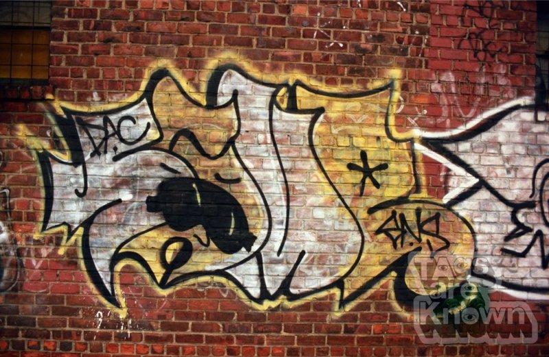 Same_Graffiti 2.jpg