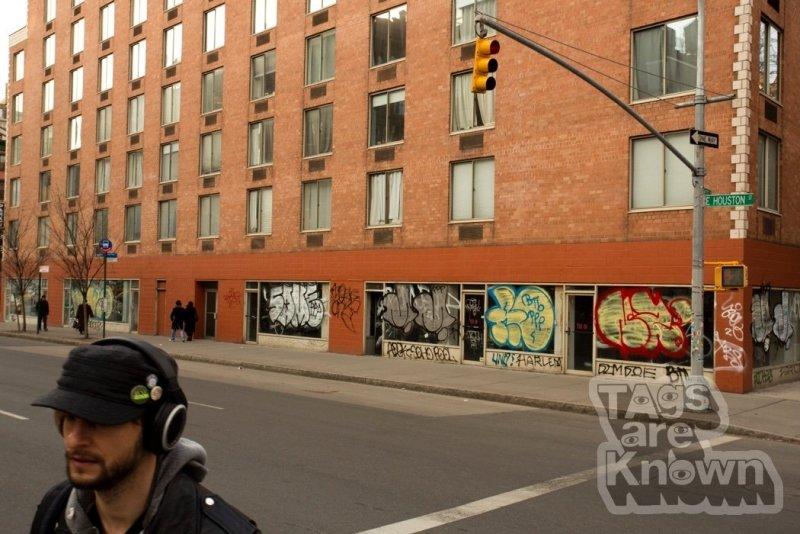 Houston Remo Same Adek Mint Nemz Harlem JimJoe Azel Graffiti 1.jpg