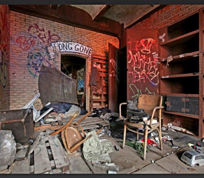 192586825_BatcaveInkheadLongGoneGraffiti.thumb.JPG.dd1d504e8d5fcf4b5cb5884ae9e92580.JPG