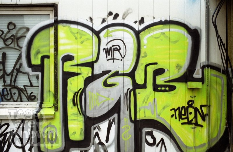 Berlin:Germany 2001-3 Graffiti RBG 2.jpg