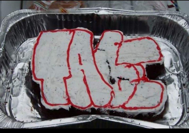 Tabe Cake Graffiti.JPG