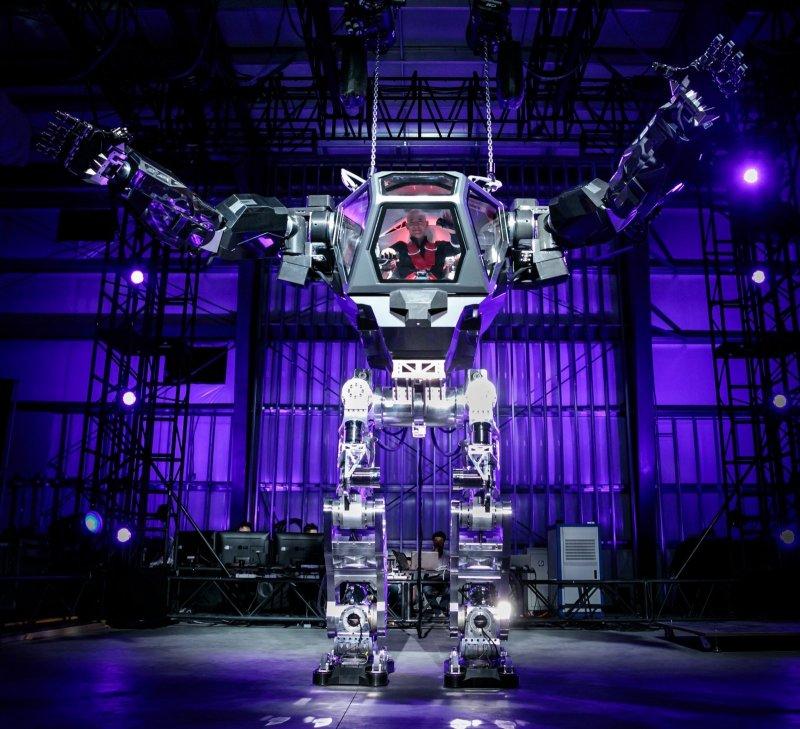 jeff-bezos-giant-method-2-robot.jpg